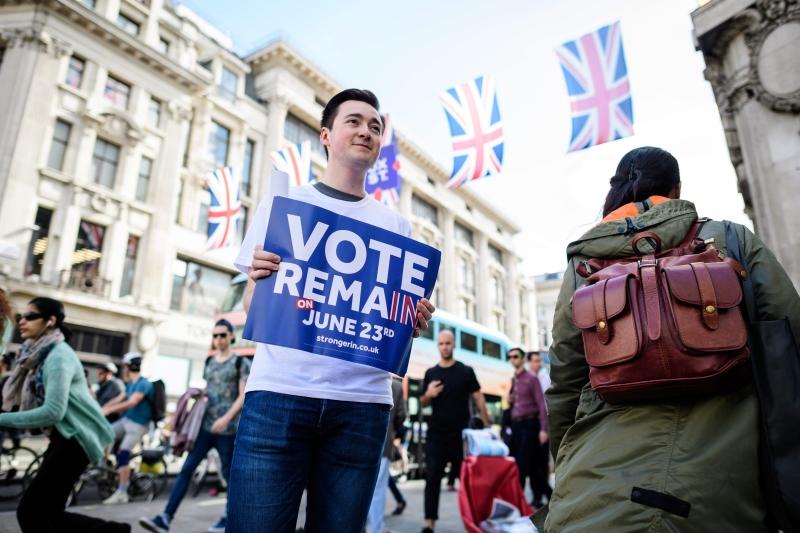 جان كلود بيري: لا يزال البريطانيون يولّون وجوههم نحو المحيط (أ ف ب)
