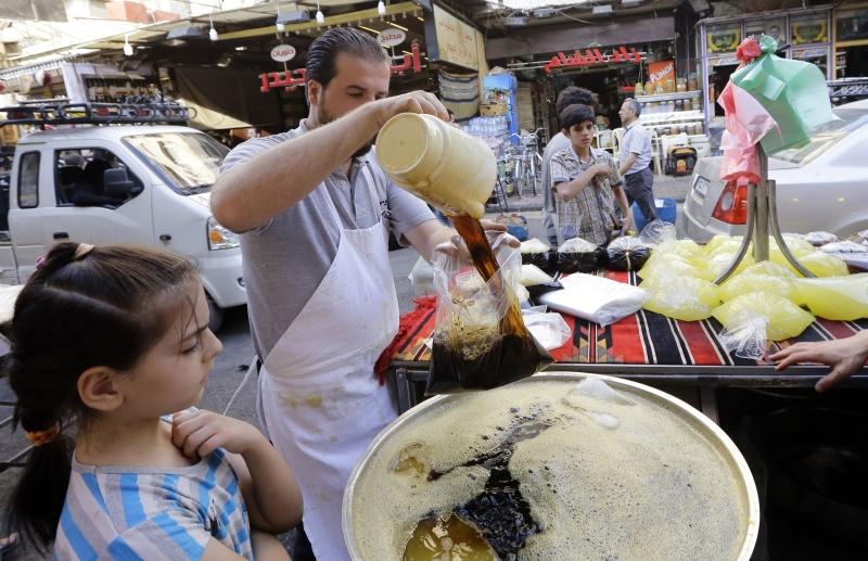 رفع التجار منذ بدء شهر رمضان أسعار معظم السلع بمقدار 25%