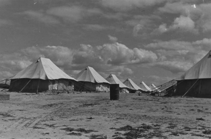 مخيم اللاجئين اليونانيين في النصيرات في فلسطين