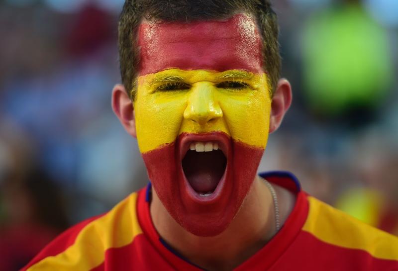 انتقادات اسبانية كثيرة لاداء بطل اوروبا (أ ف ب)