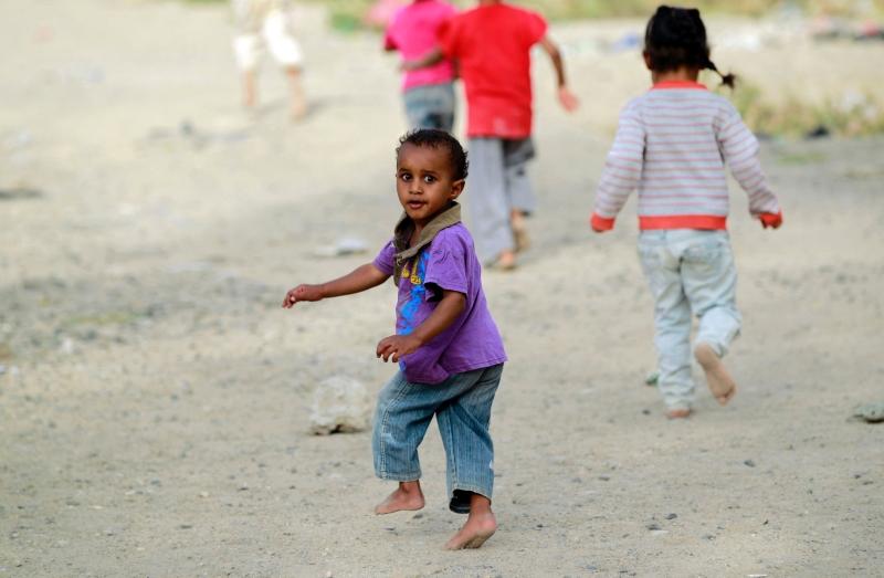 نحو ثلاثة ملايين طفل  يحتاجون إلى خدمات للعلاج من سوء التغذية الحاد  (أ ف ب)