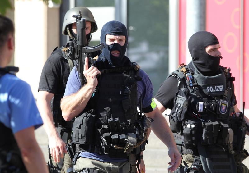 أكدت مصادر أمنية أن الهجوم «لا علاقة له بالإرهاب» (أ ف ب)