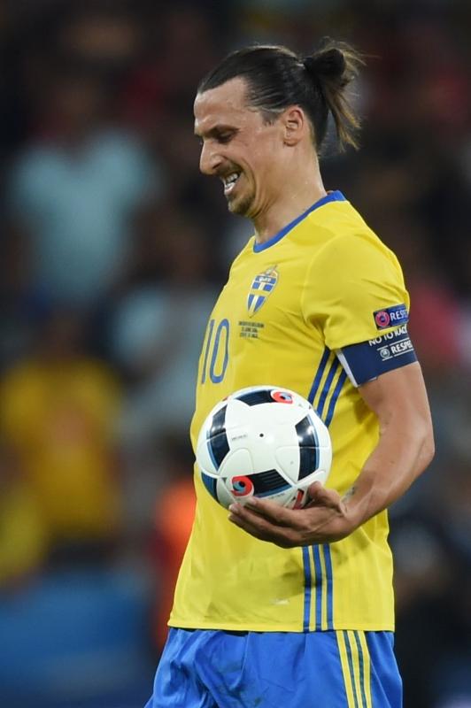 ودع إبراهيموفيتش البطولة ومنتخب السويد من دون التسجيل (أ ف ب)