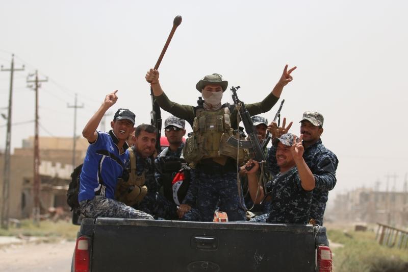 صوّت مجلس محافظة الأنبار بالأغلبية على إقالة المحافظ صهيب الراوي