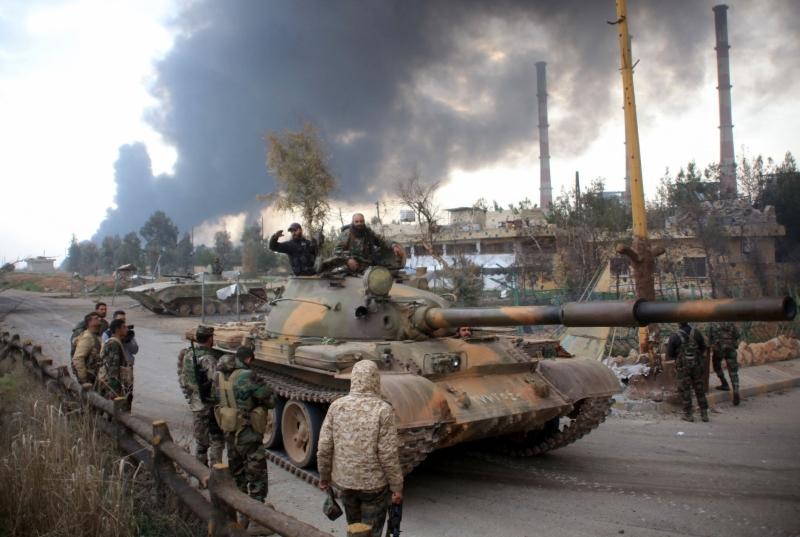 يعمل الجيش للوصول إلى المنطقة وعدم تركها لحلفاء الأميركيين (أ ف ب)
