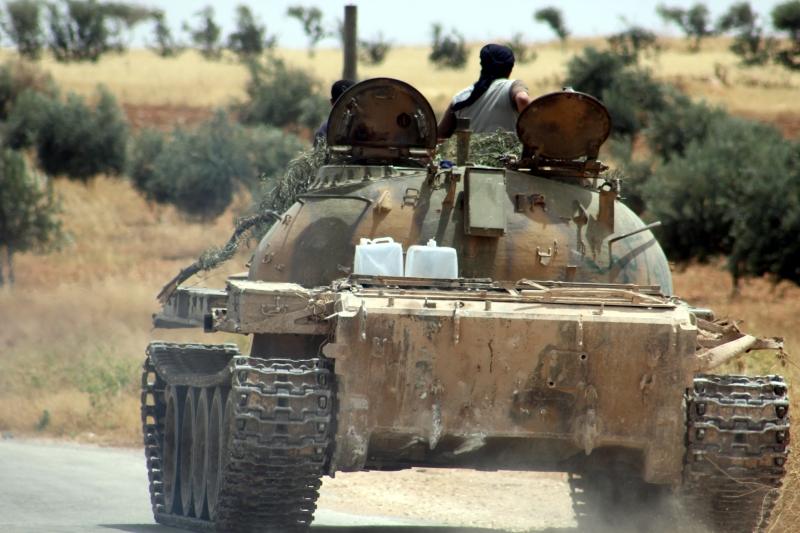 فقد «داعش» الاتصال بـ35 مسلحاً خلال توجّههم لصدّ هجوم الجيش (الأناضول)
