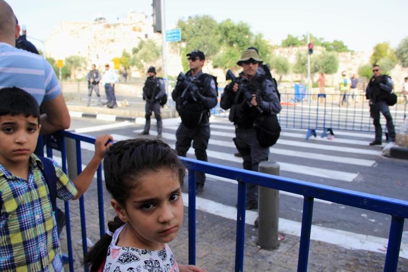 مشاركة بلدية الاحتلال في الزينة قوبلت باستهزاء المقدسيين (آي بي ايه)