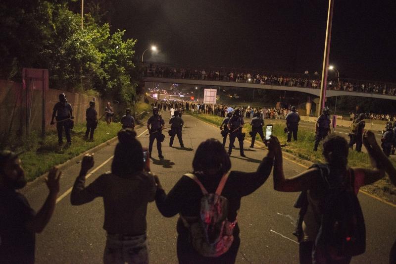 اعتقلت الشرطة رئيس حركة «حياة السود لها أهمية»