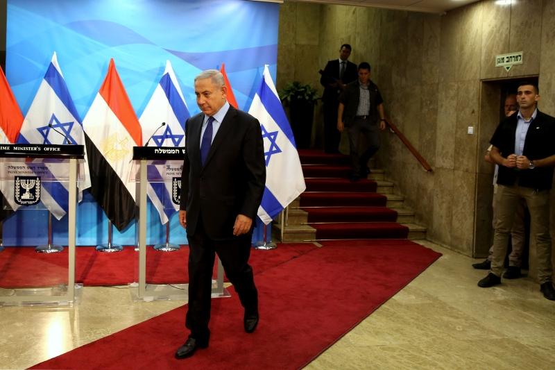 رأى نتنياهو في زيارة شكري دافعا لتقوية موقفه ضد منافسيه في إسرائيل (أ ف ب)