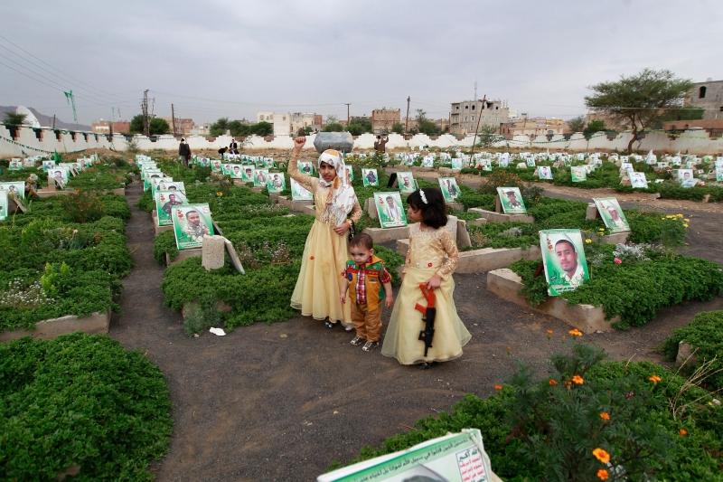 الأفعال المرتكبة من قبل السعودية وحلفائها تشكل انتهاكاً للقانون الإنساني (أ ف ب)