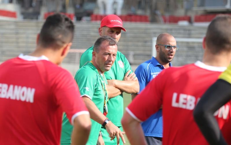 يسعى رادولوفيتش الى إتاحة الفرصة لأكبر عدد من اللاعبين (عدنان الحاج علي)