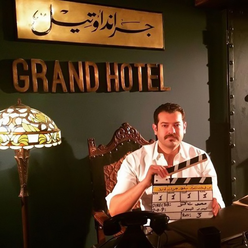 عمرو يوسف خلال التصوير