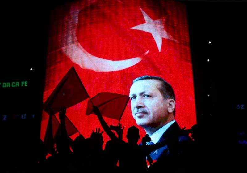 في وجه إردوغان لم يكن الانقلاب نزهة لأصحاب النياشين ( الاناضول)