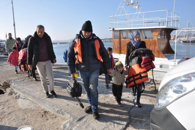 غامرت هزار بالهروب مع ثلاثة أطفال من شمال سوريا (الأناضول)