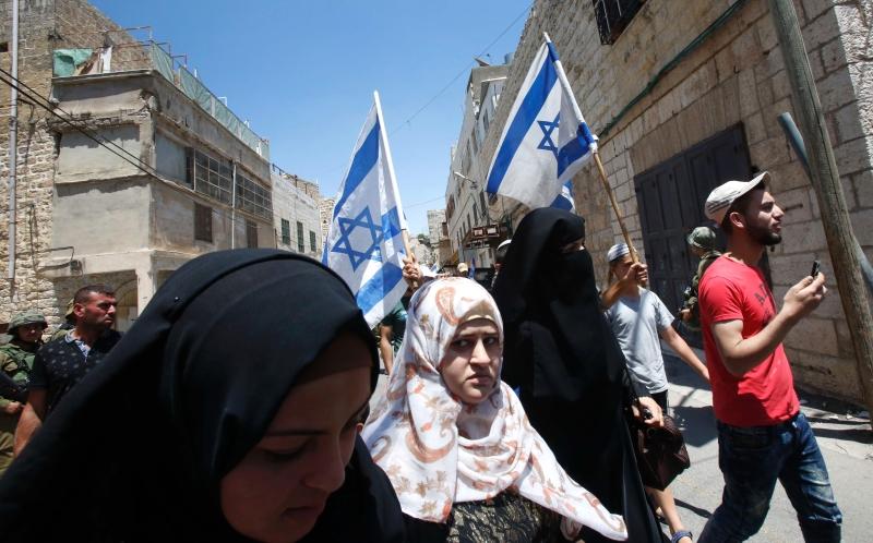 نجحت الحركة الصهيونيّة في جعل كل العرب في موقع الدفاع (أ ف ب)