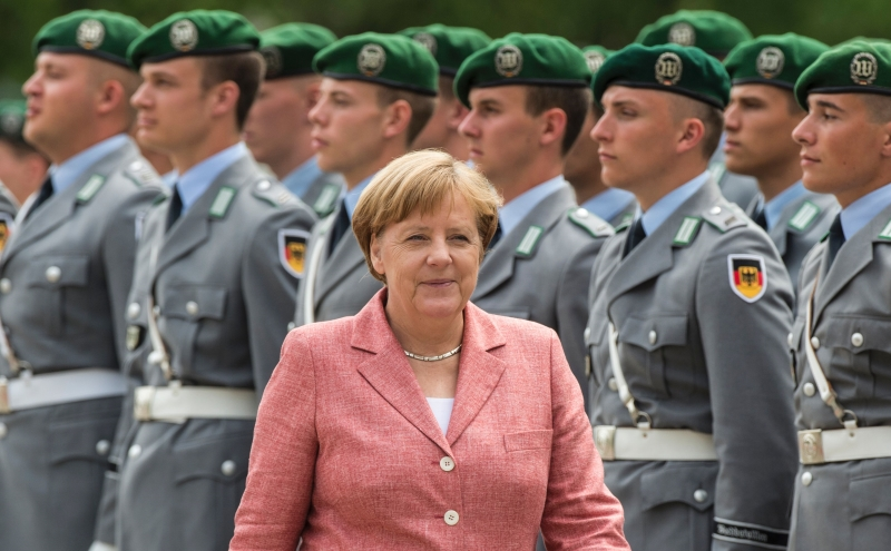 التمدد العسكري الألماني مواز بالطبع للعملقة الاقتصادية (أ ف ب)