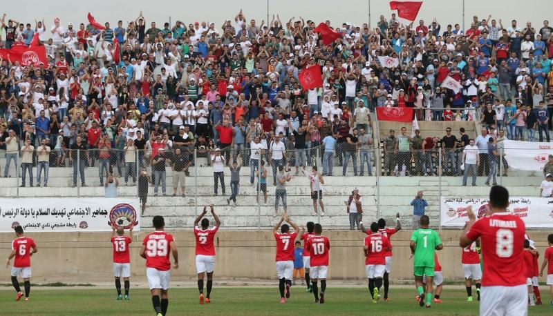 يملك فريق الإجتماعي أكبر قاعدة جماهيرية في طرابلس