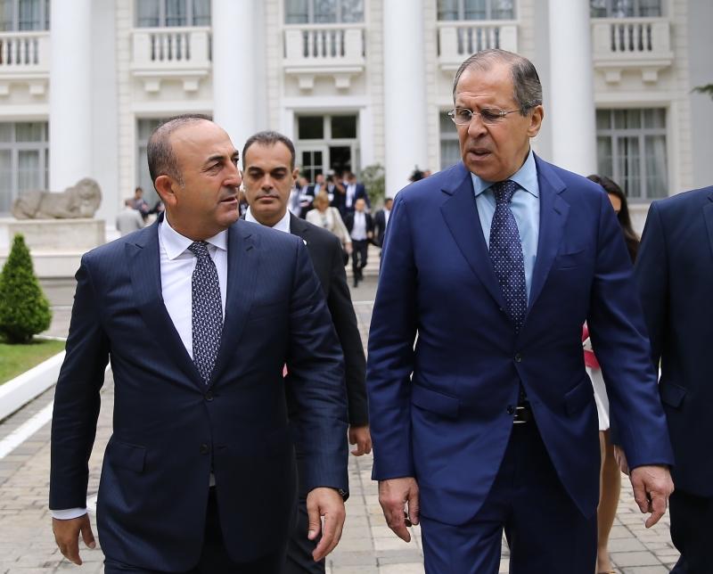 جاوش أوغلو: إعادة تأسيس الحوار مهم لمستقبل سوريا (الأناضول)