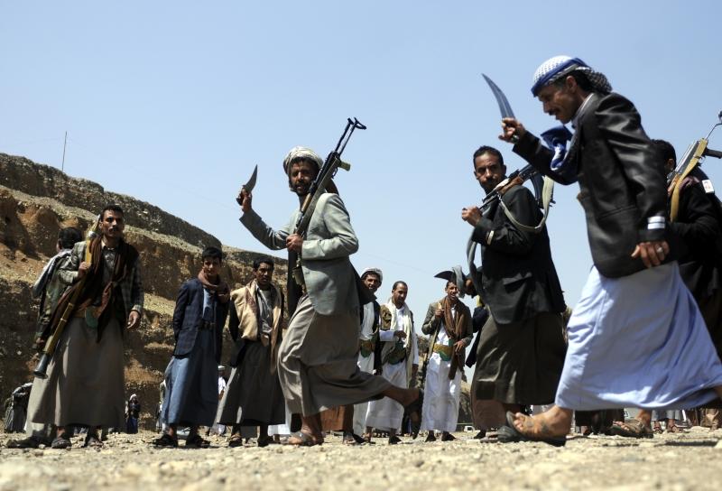 فشلت القوات الموالية لهادي في التقدم على الحدود بين تعز ولحج