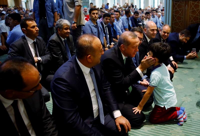أردوغان: نحن لا ننحني لغير الله (الأناضول)
