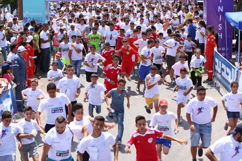 ركض اكثر من 5 آلاف عداء وعداءة في سباق حرمون