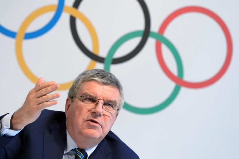 دافع باخ رئيس اللجنة الأولمبية الدولية عن قرار عدم الإستبعاد الشامل (فابريس كوفريني ــ أ ف ب)