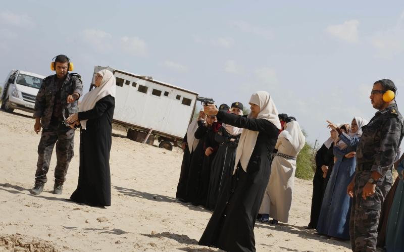 خلال دورة عسكرية للأمن والحماية في غزة (آي بي ايه)