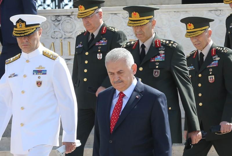 ينوي أردوغان وضع الجيش والمخابرات تحت إمرة الرئاسة (أ ف ب)