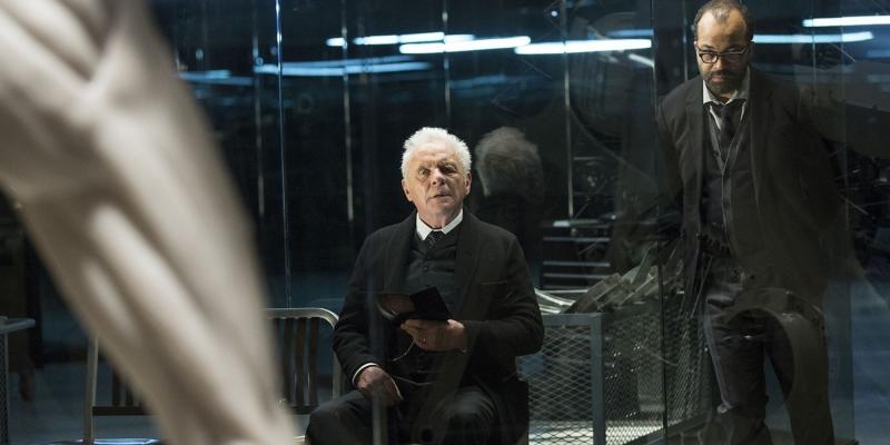 أنتوني هوبكنز وجيفري رايت في مشهد من المسلسل