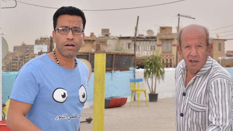 لطفي لبيب وسامح حسين في مشهد من فيلم «عسل أبيض»