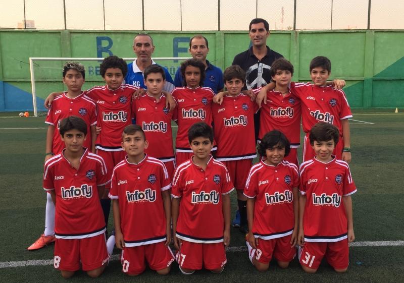 """فريق """"BFA"""" مواليد 2004 مع فابيو وزياد سعادة والمدرب كيفورك قره بتيان"""