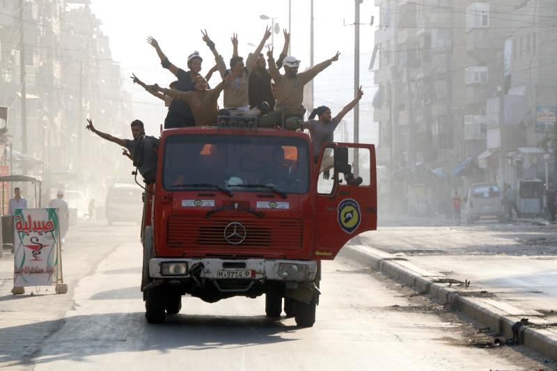 «سقطت حلب» افتراضيّاً قبل أيّام، لتكشف الوقائع عن تعطّش المعارضة لإنجاز لم يتحقق بعد (أ ف ب)
