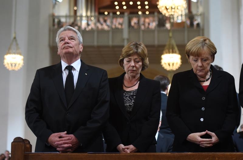 بقي الخطاب الألماني الرسمي أقل دراماتيكية من نظيره الفرنسي
