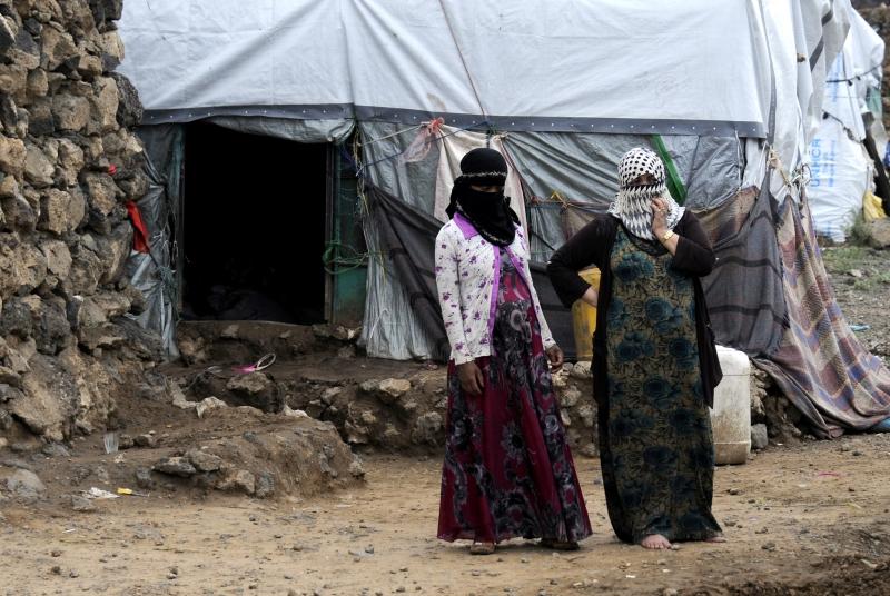 مع تصاعد المواجهات نزح ما يزيد عن 200 أسرة من مناطق الصراع في نهم