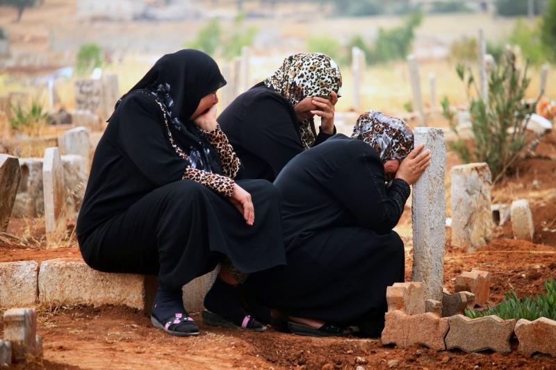 يزيد سعر القبر في مدينة دمشق على مليون ليرة سورية (أ ف ب)