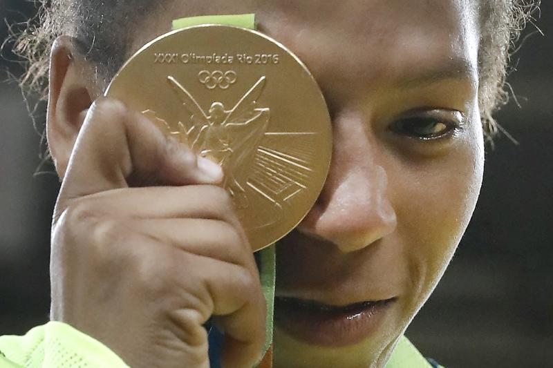 اكثر الوجوه البرازيلية اشراقاً في ريو 2016 كان وجه بطلة الجودو رافايلا سيلفا (أ ف ب)