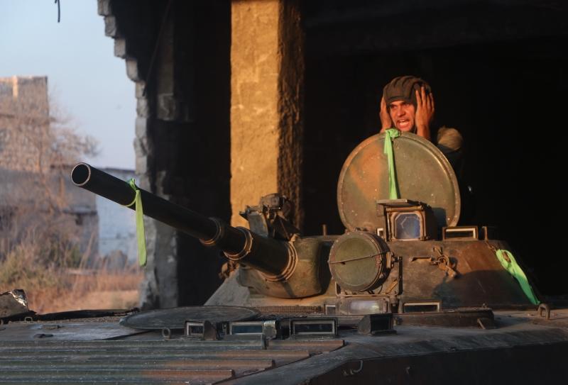 وفّرت السعوديّة صواريخ «تاو» لما يقارب 42 مجموعةً مسلّحة  (الأناضول)