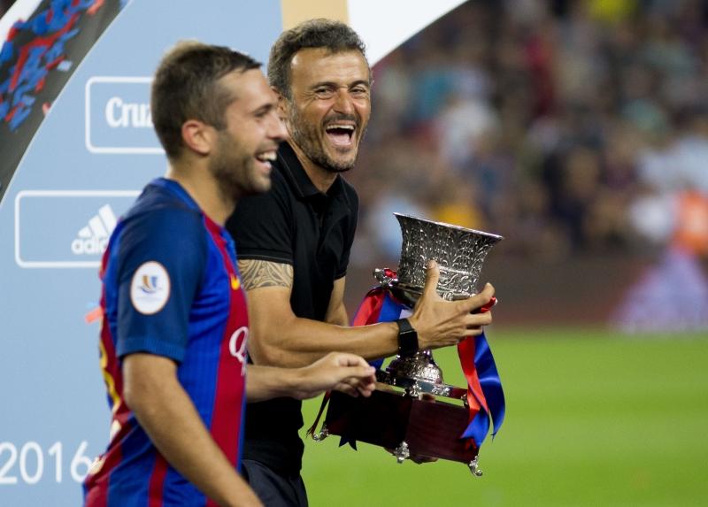 استعد برشلونة للموسم بالفوز بلقب السوبر الإسبانية البرت يوب ــ الأناضول))