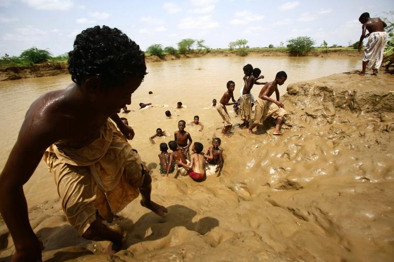 بعد فيضان نهر القاش في ولاية كسالا في السودان (أ ف ب)