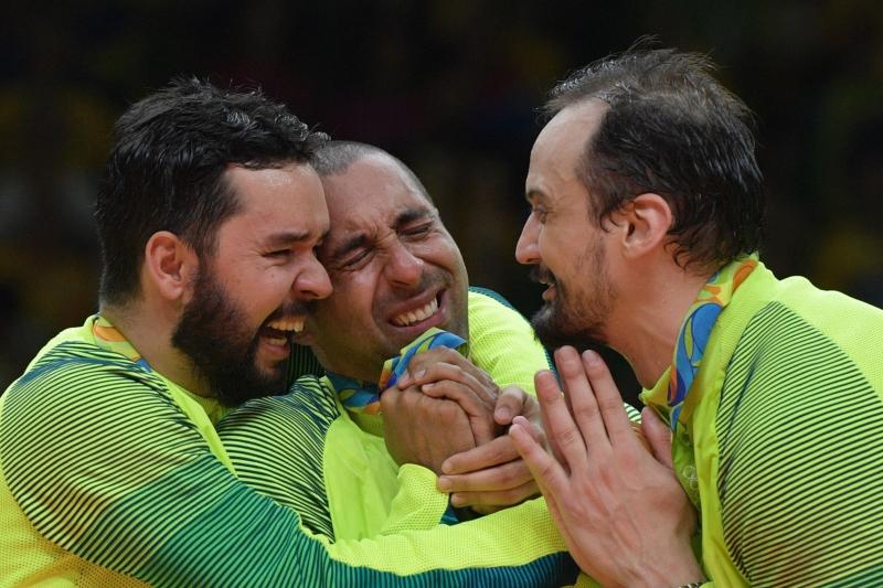 حازت البرازيل على ذهبية الكرة الطائرة بالفوز على ايطاليا 3(أ ف ب)