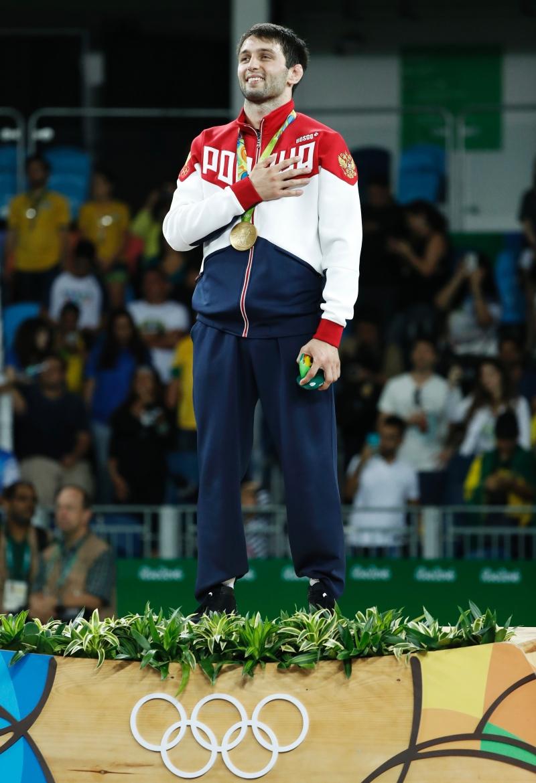 أحرز الروسي سوسلان رامونوف ذهبية المصارعة الحرة (أ ف ب)