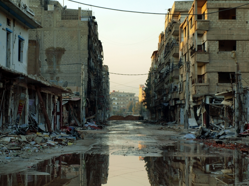 تمّ إبرام اتفاق تسوية في مدينة داريا أمس لإخلائها من المسلحين بعد سنوات من المعارك (أ ف ب)