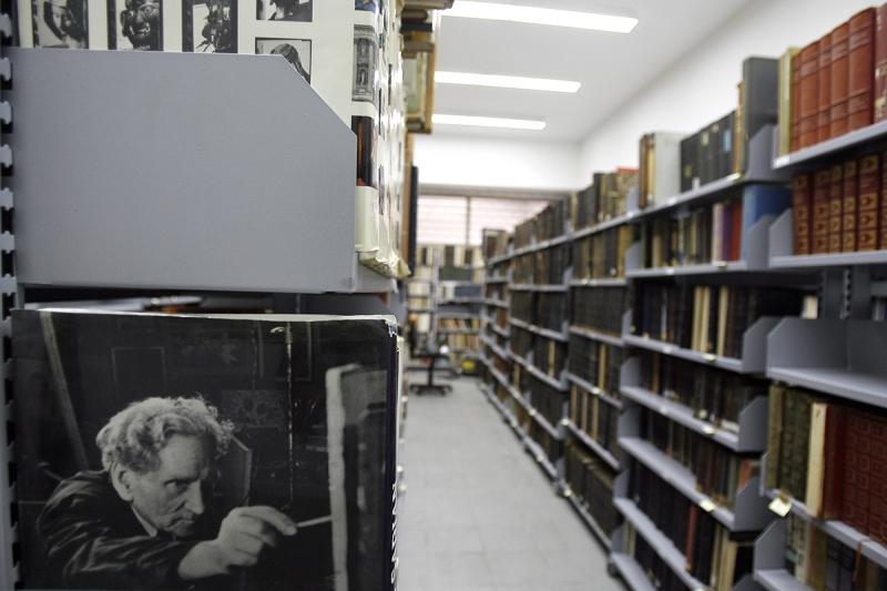 في القرن الـ 21 أمين المكتبة هو مصدر كل معرفة (مروان طحطح)