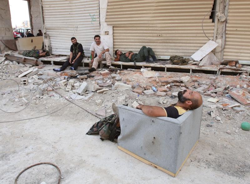 أحرق المسلحون جميع المستندات قبل خروجهم من داريا