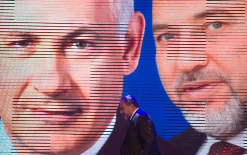 تجاهل ليبرمان السلطة ونسج علاقات مع شخصيات ومؤسسات فلسطينية (عن الويب)