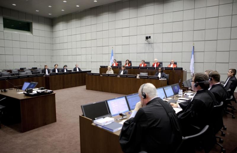 """للمرة الأولى في تاريخ المحاكم الدولية، أصدرت المحكمة الدولية الخاصة بلبنان قراراً بإدانة """"الأخبار"""" ورئيس تحريرها (أ ف ب)"""