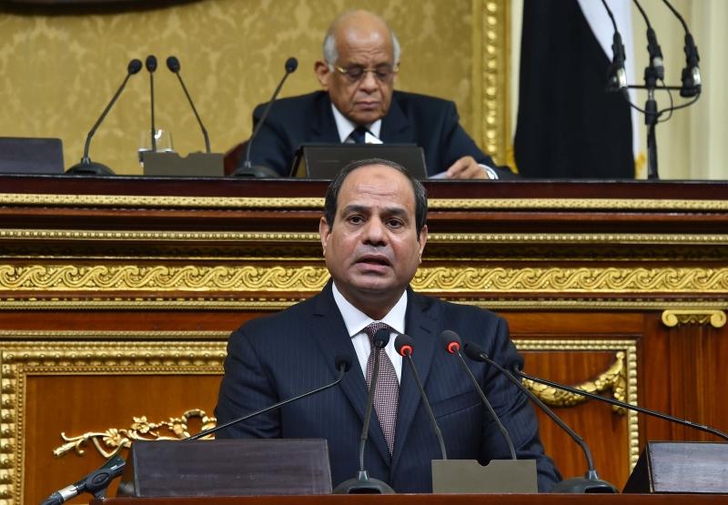 يتعامل عبد العال (خلف) مع النواب كأنهم تلاميذ لديه لا ممثلون عن الشعب