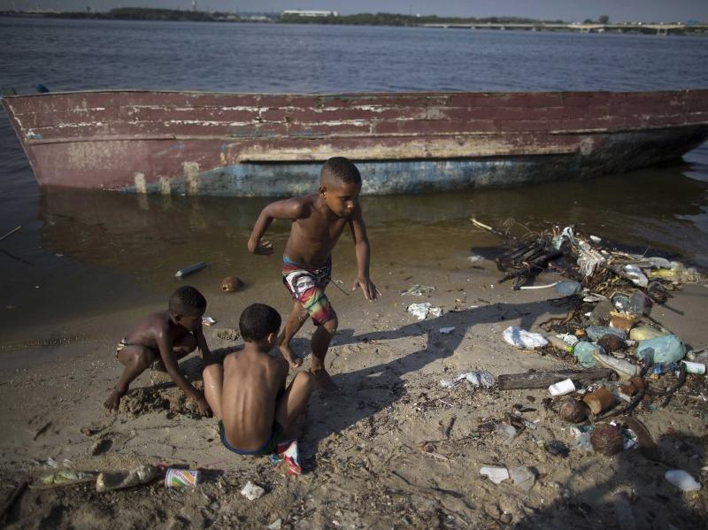 تعاني المياه في ريو دي جانيرو من التلوث