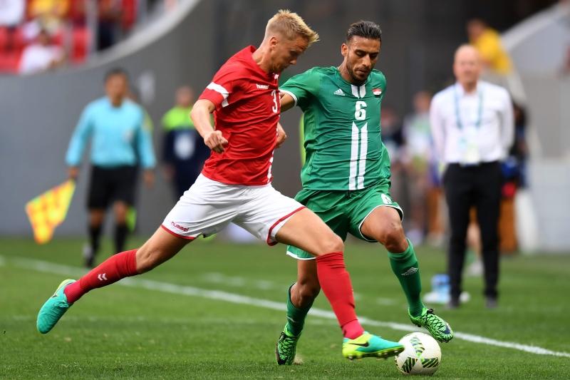 قدم العراق أداءً جيداً ضد منتخب يخوض غمار المسابقة للمرة التاسعة (أ ف ب)