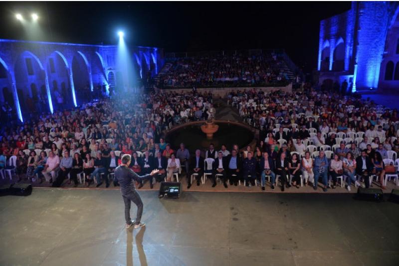 باسم يوسف خلال عرض بيت الدين